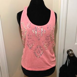 Pink shirt without sleeves with sequence